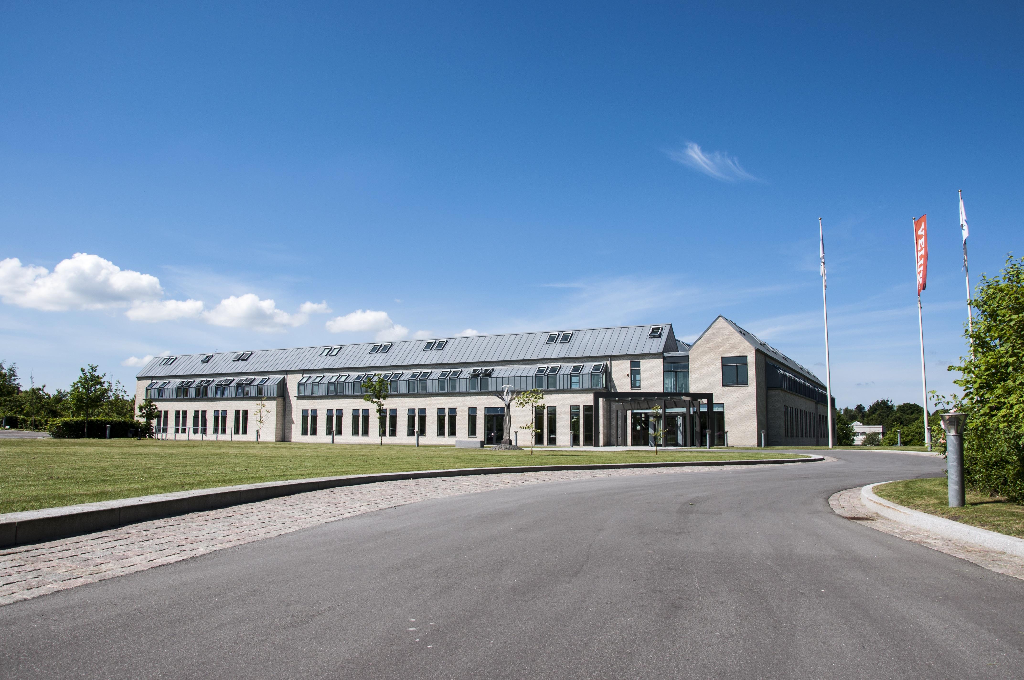 VKR Holding 1 - Okno dachowe obrotowe COMFORT roofART